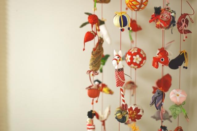 ひな祭りのつるし雛の起源とは?飾りに込められた意味と願い
