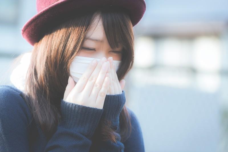 マスクで顔が赤くなるのを防ぐ方法!原因となる肌荒れは4つの対処法で解決