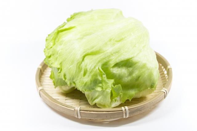 レタスの外側の葉は生で食べられるの?農薬が付いてるって本当?