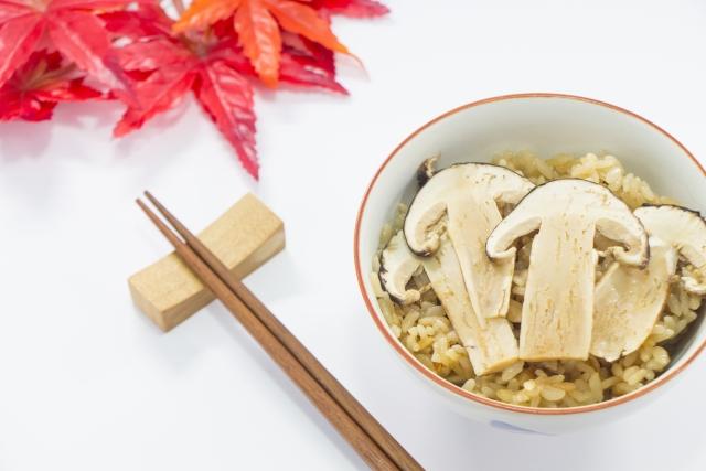 松茸と椎茸の違いは何?掛け合わせてできた松きのこの味や栄養、どこで買えるかも紹介